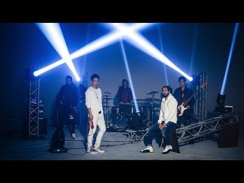 โปรดฟังอีกครั้ง - COCKTAIL feat.เจ๋ง BIGASS「Official MV」